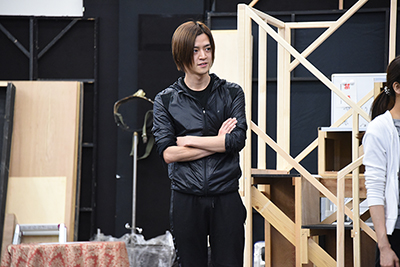ウェイバー・ベルベット役の植田慎一郎。